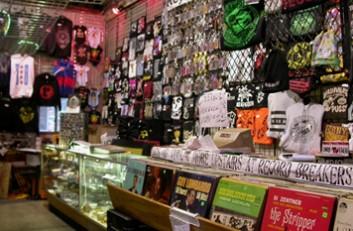 Record Breakers - Reggies Chicago